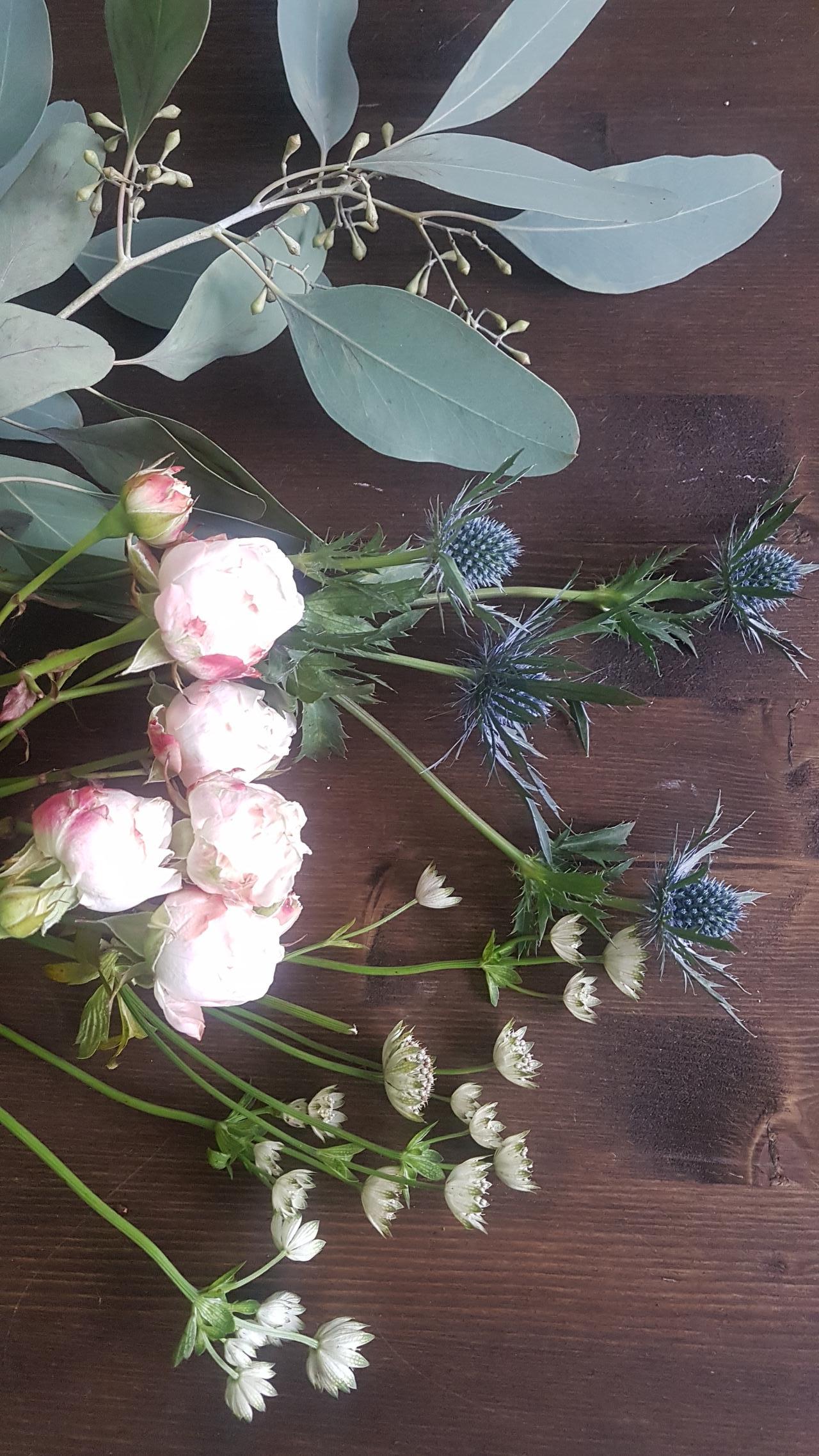 dekoracja kwiatami