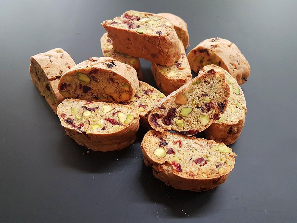 chlebki z orzeszkami pistacjowymi
