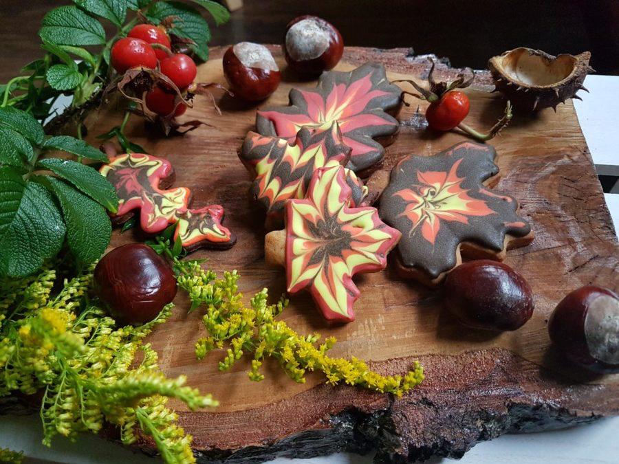 listki korzenne z lukrem