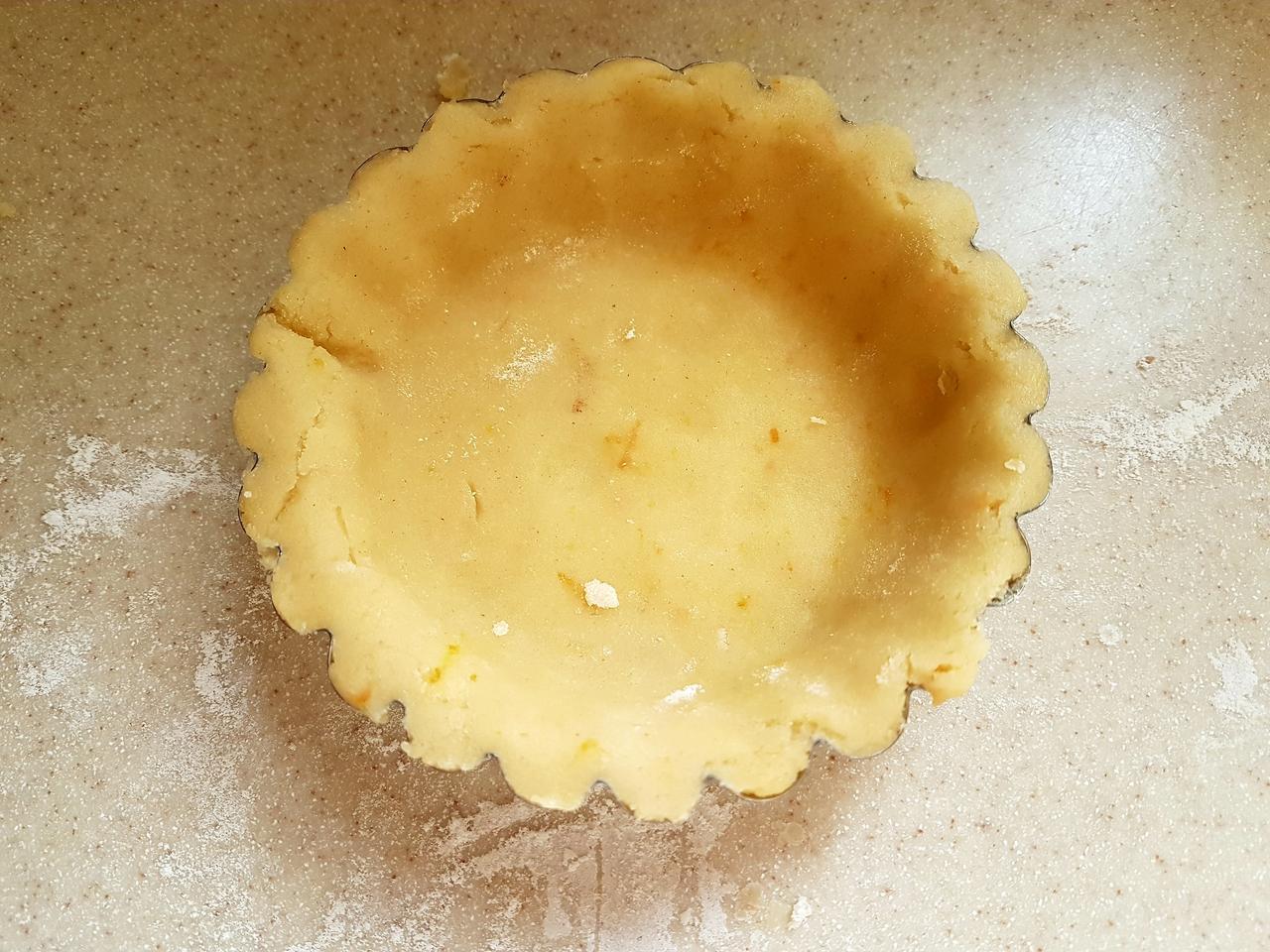 ciasto kruche wylozenie spodu foremki