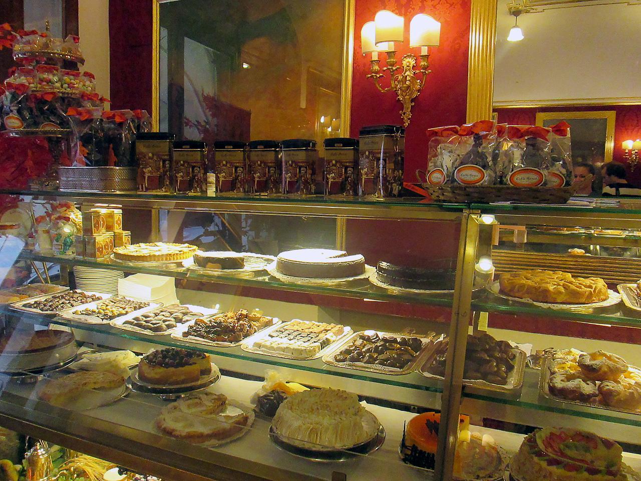cafe greco witryna cukiernie w Rzymie