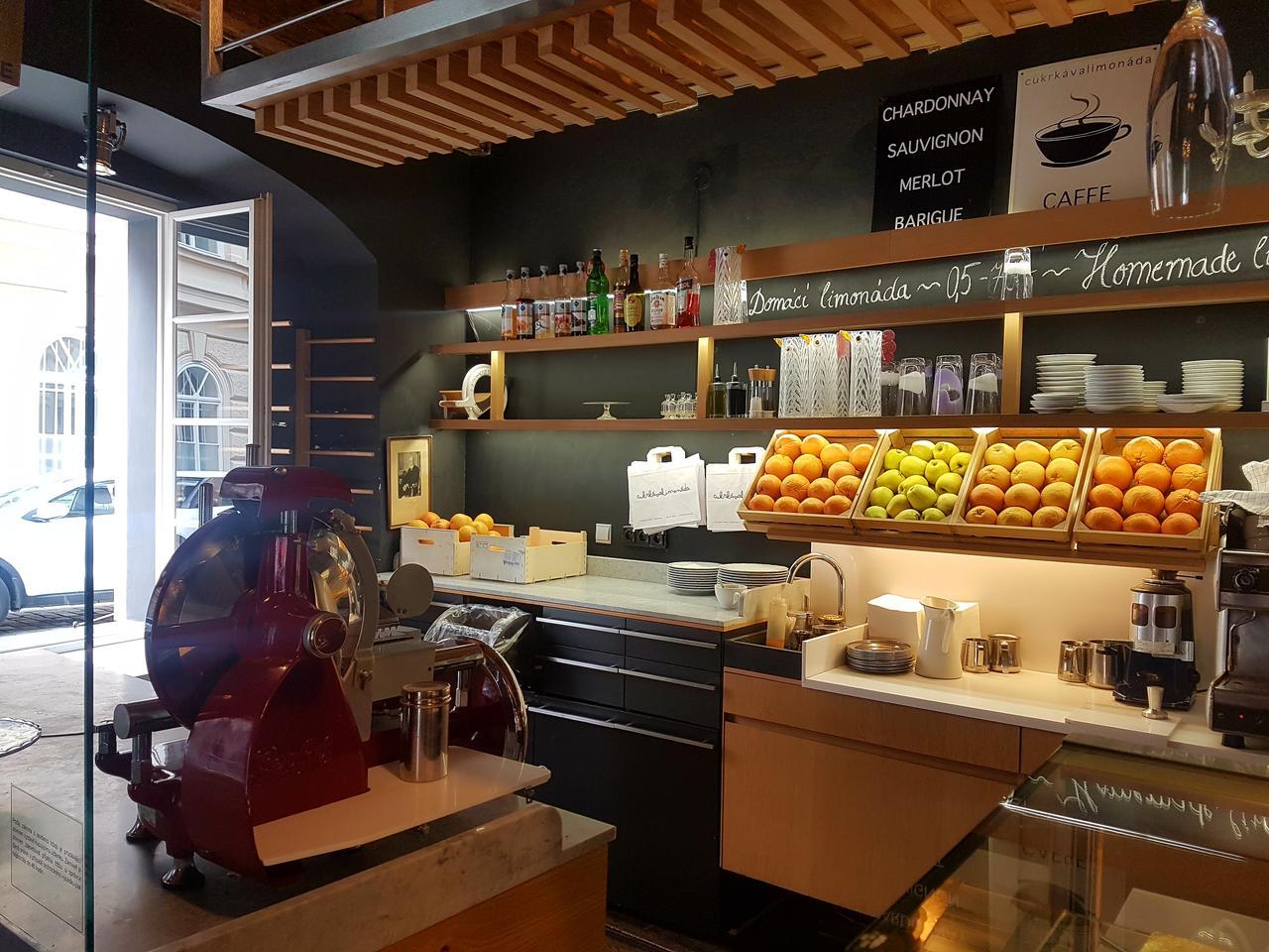 cafe cafe Praga