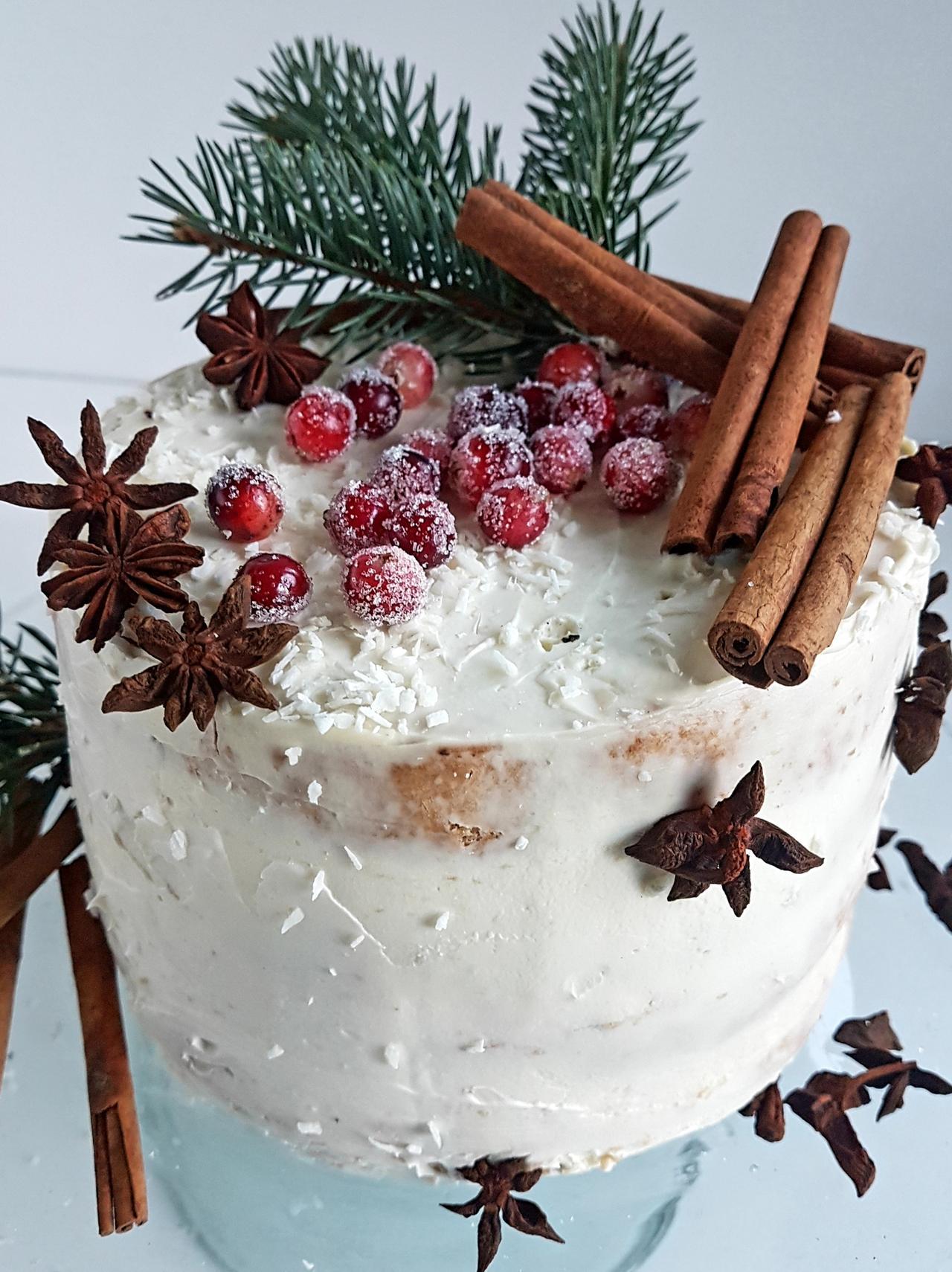 tort naked cake w wersji zimowej