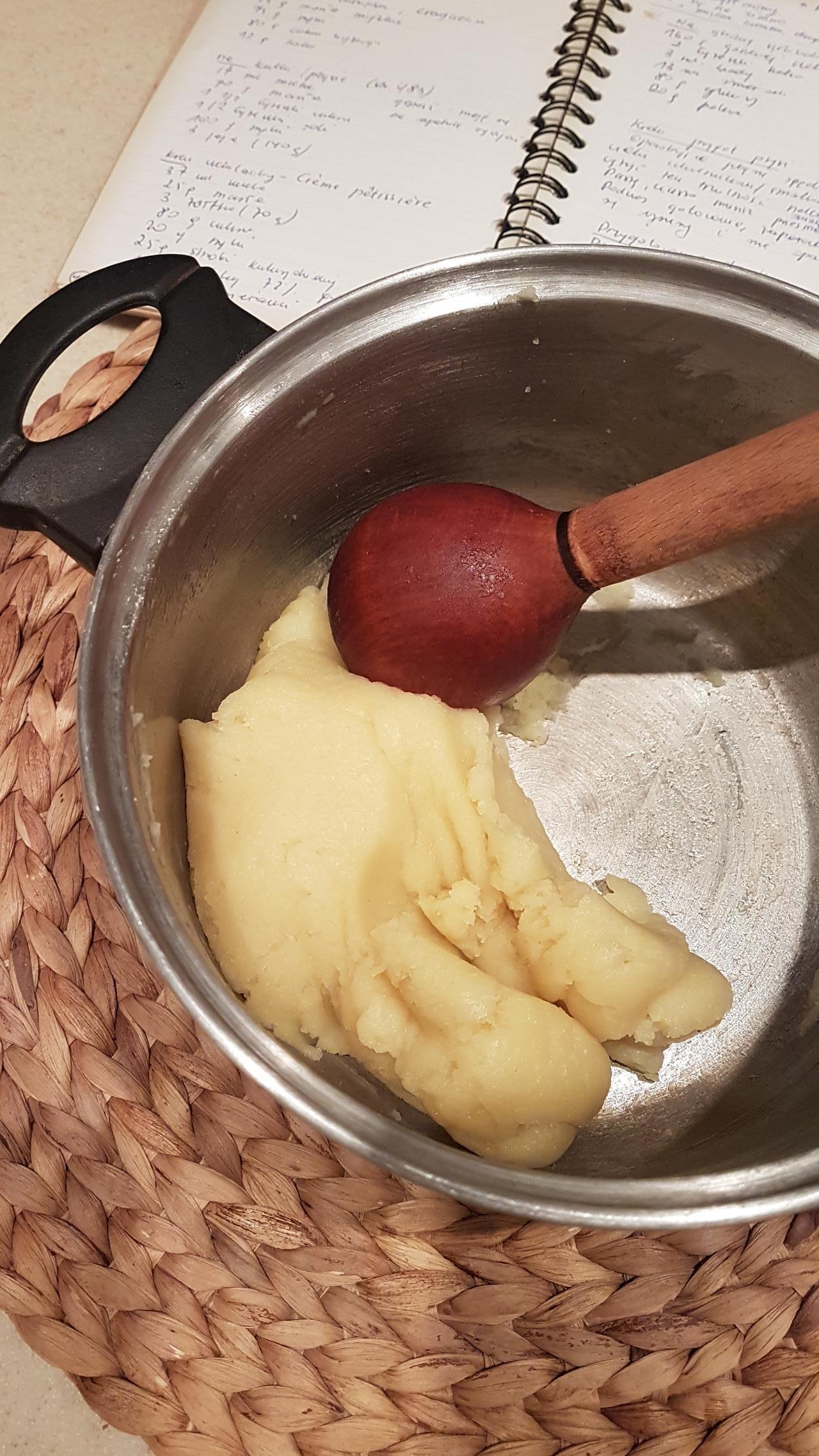 ciasto ptysiowe parzone