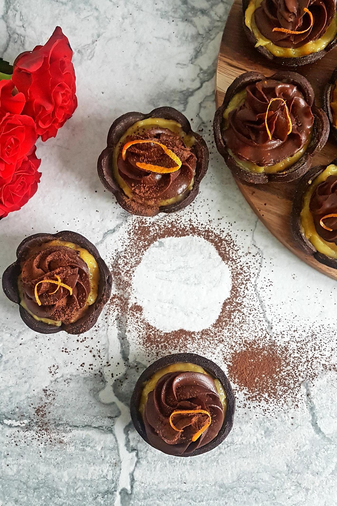 tartoletki czekoladowe z orange curd i ganache