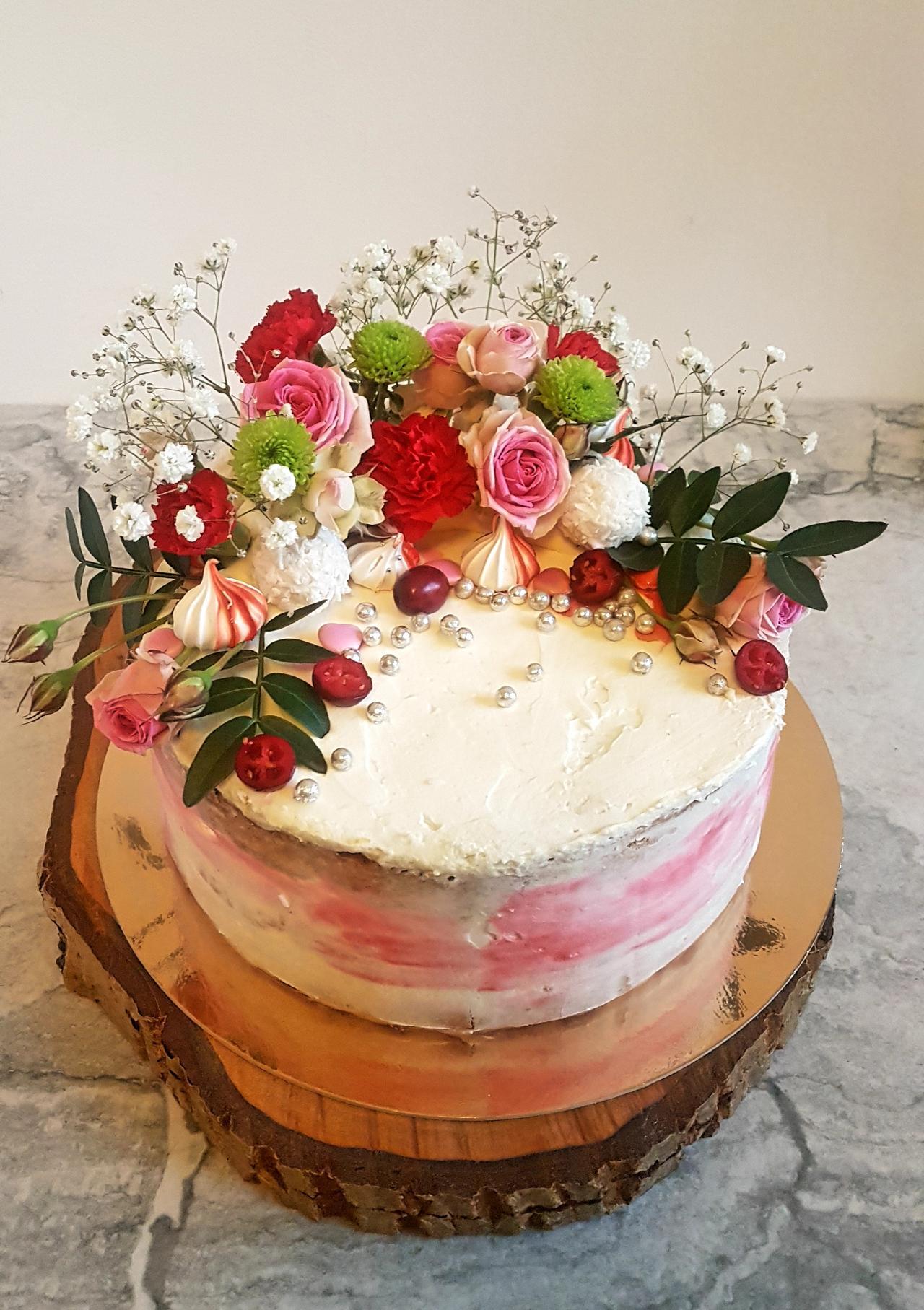 naked cake na walentynki
