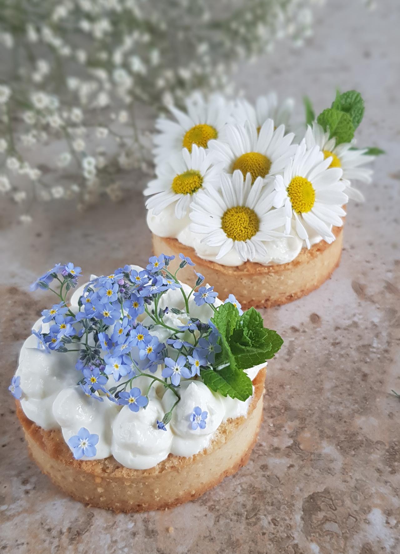 tartoletki ze swiezymi kwiatami