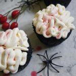 krwawe mozgi z kremem na halloween