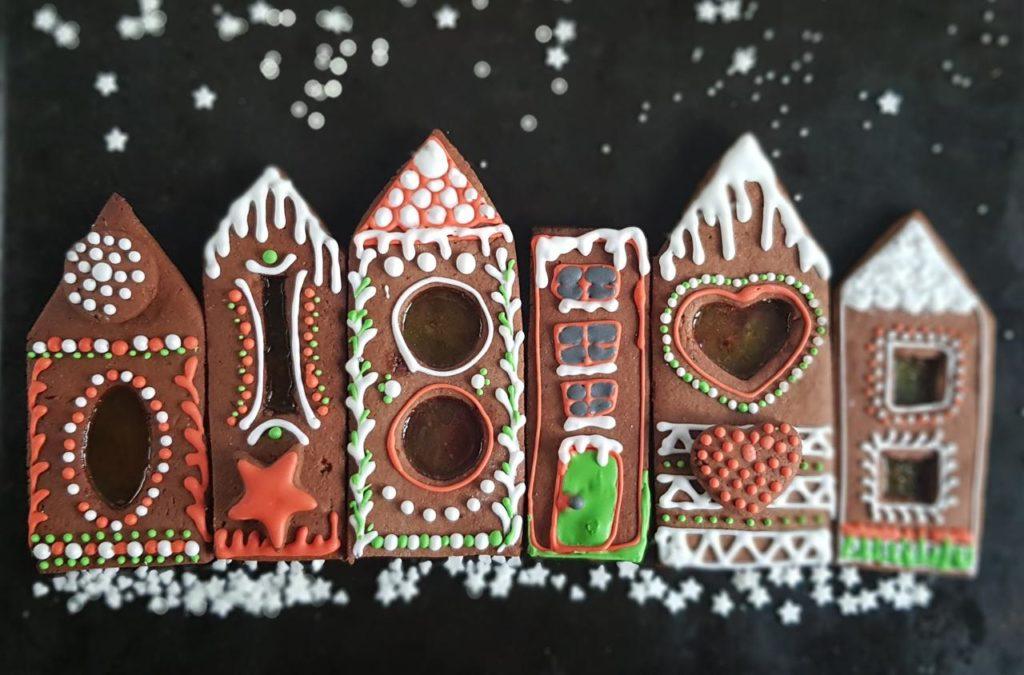 domki z piernika z okienkiem