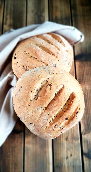 chleb drozdzowy z cebula