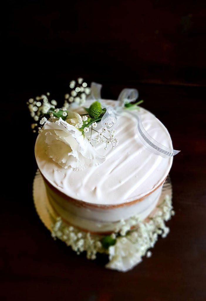 kokosowo-anansowy tort na chrzciny
