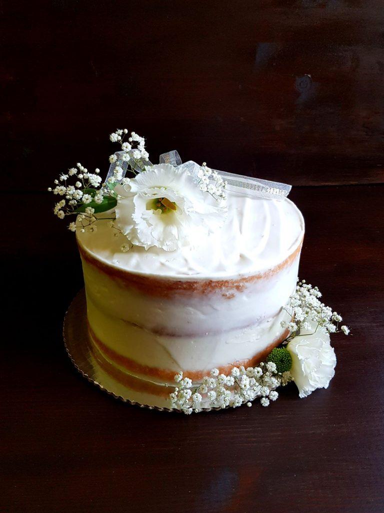 tort na chrzciny z kokosem